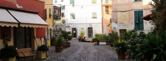 Mini apartment at medieval village - Vezzano Ligure vacation rentals