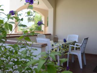 Romantic 1 bedroom Marina Di Campo Townhouse with Internet Access - Marina Di Campo vacation rentals