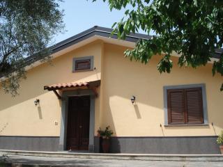 Cozy 2 bedroom Villa in Motta Camastra - Motta Camastra vacation rentals