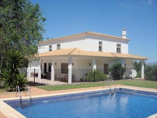 Casa La Sierrecilla, family villa in Andalucia - Antequera vacation rentals
