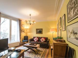 Caulaincourt Classique-one bedroom in Montmartre - Paris vacation rentals
