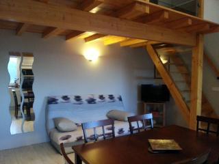 Cozy 2 bedroom Gite in Ille-sur-Tet with Dishwasher - Ille-sur-Tet vacation rentals