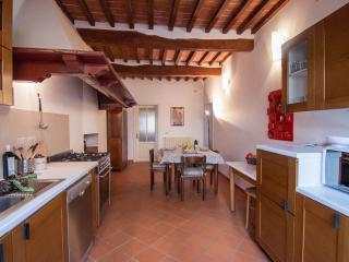 Cozy Condo with Internet Access and Central Heating - Pietrasanta vacation rentals
