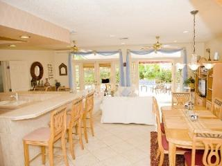 2 blks beach HEATED POOL ALL  possible night stays - Lauderdale by the Sea vacation rentals