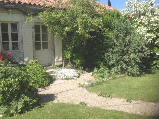 The Gite at 'La Croix' - Bouteilles-Saint-Sebastien vacation rentals