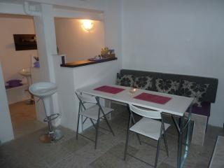 Apartment - 2 rooms + terrace on Croatian coast - Novi Vinodolski vacation rentals