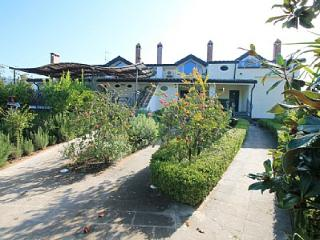 Cozy House with Deck and A/C - San Cipriano Picentino vacation rentals