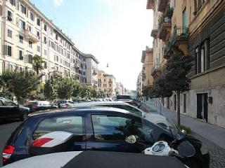 1 bedroom House with A/C in Roma - Roma vacation rentals