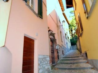 Nice House with Internet Access and Television - Bellagio vacation rentals