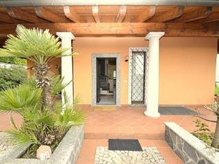 Bright 4 bedroom House in Meina - Meina vacation rentals