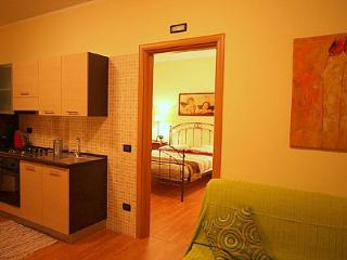Comfortable 3 bedroom Sarnico House with Internet Access - Sarnico vacation rentals