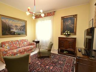 Romantic 1 bedroom House in Desenzano Del Garda - Desenzano Del Garda vacation rentals