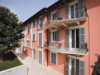 Nice 1 bedroom Toscolano-Maderno House with Deck - Toscolano-Maderno vacation rentals
