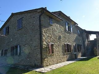 Charming House with Deck and A/C - Monterchi vacation rentals