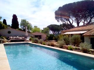 Authentic Saint Tropez 4 bedroom Villa, 8 sleeps - Saint-Tropez vacation rentals