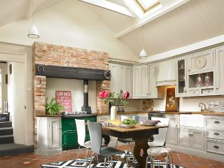 "Charming ""Rose"" Cottage in Greyabbey village - Greyabbey vacation rentals"