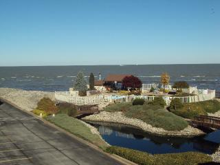 2 Bedroom, 1 1/2 Bath Condo with Great Lake View! - Port Clinton vacation rentals