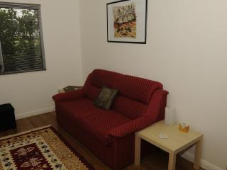 Hunter Valley 1br NEW Lavender Cottage - A GEM! - Cessnock vacation rentals