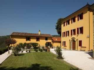 Villa Gialla - Massa e Cozzile vacation rentals