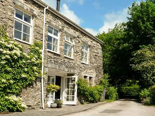 CHARCOAL NOOK, ground floor studio property, woodburner, parking, garden, in Coniston, Ref 5253 - Coniston vacation rentals