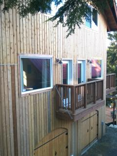 Nice Guest house with Deck and Internet Access - Ketchikan vacation rentals