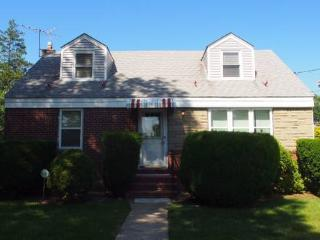 Marvin House Near Hofstra - Uniondale vacation rentals