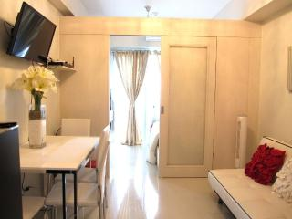 Clean Condo across Mall of Asia - Manila vacation rentals