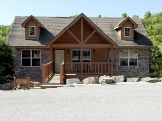 Ozark's Getaway-Walk-In 2 bedrom, 2 bath cabin at Stonebridge Resort - Branson West vacation rentals