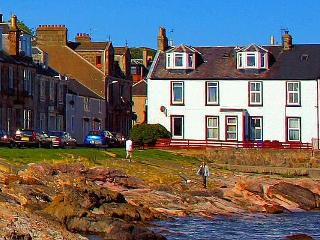 Island break at 3 Crichton Street - Millport vacation rentals