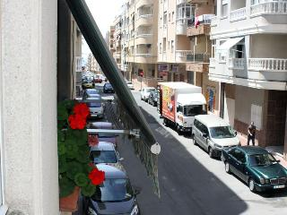 Cheap rent, 5 minutes to the beach - Torrevieja vacation rentals
