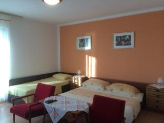 Keko's room 6 for 2 - 150 meters from the beach - Rab vacation rentals