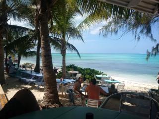 *OCEAN VIEW* *FULL KITCHEN* 1 Bedroom Suite - Turtle Cove vacation rentals