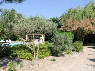 Domaine du Grand Lauron - Cadenet vacation rentals