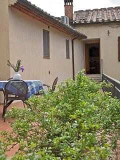 Nice Condo with Internet Access and Garden - Murlo vacation rentals