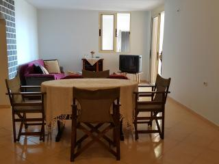 Nice 2 bedroom Sarande Apartment with Dishwasher - Sarande vacation rentals