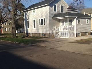 Nice Cottage with Deck and Dishwasher - Grand Haven vacation rentals