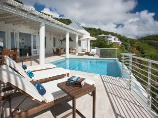 Spacious House with Internet Access and Television - South Side vacation rentals
