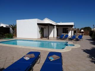 Comfortable 3 bedroom Vacation Rental in Lanzarote - Lanzarote vacation rentals