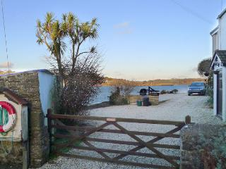 Lovely 2 bedroom Vacation Rental in Pembroke Dock - Pembroke Dock vacation rentals