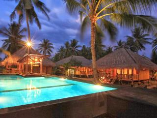 Charming Bungalow in Tanjung with Internet Access, sleeps 4 - Tanjung vacation rentals