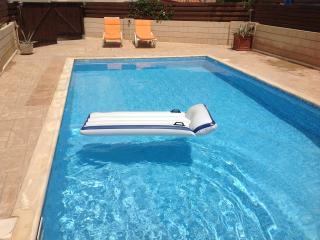 Chilville Villa, Kapparis - 2 Bedrooms - Paralimni vacation rentals