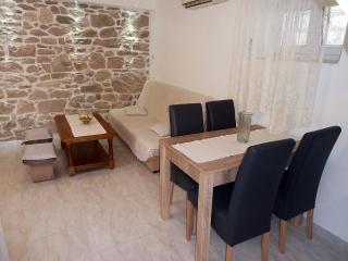 Duplex apartment close to beach - Kastel Stafilic vacation rentals
