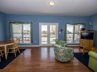 3 bedroom House with Shared Outdoor Pool in Gulf Shores - Gulf Shores vacation rentals