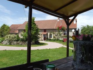 """Fontaine la Mère"", Rental House/Gite/B&B/Chambres d'hotes/ 18 pers. - Autun vacation rentals"