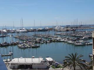 APARTMENT IN PALMA WITH BREATHTAKING HARBOUR VIEWS - Palma de Mallorca vacation rentals