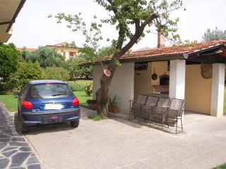 2 bedroom House with Internet Access in Montignoso - Montignoso vacation rentals