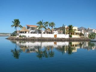 4 bedroom House with Deck in San Carlos - San Carlos vacation rentals