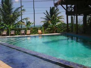 casarao com piscina beira mar praia da penha unico - Ilha de Itaparica vacation rentals