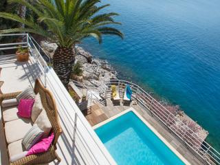 Dubrovnik seafront villa with pool and beach - Dubrovnik vacation rentals