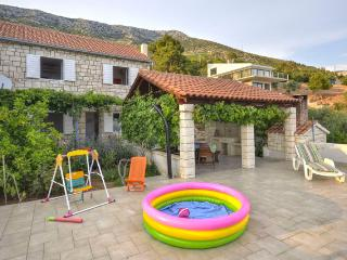 Cozy 3 bedroom Ivan Dolac Villa with Internet Access - Ivan Dolac vacation rentals